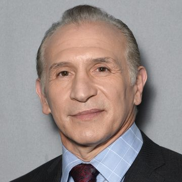 Ray-Mancini_Headshot_727x727