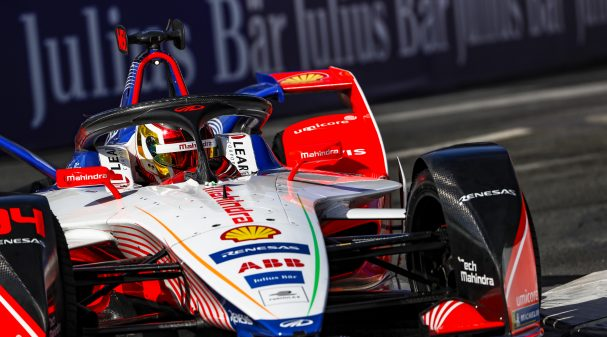 STREETS OF PARIS, FRANCE - APRIL 27: Pascal Wehrlein (DEU), Mahindra Racing, M5 Electro during the Paris E-prix at Streets of Paris on April 27, 2019 in Streets of Paris, France. (Photo by Alastair Staley / LAT Images)