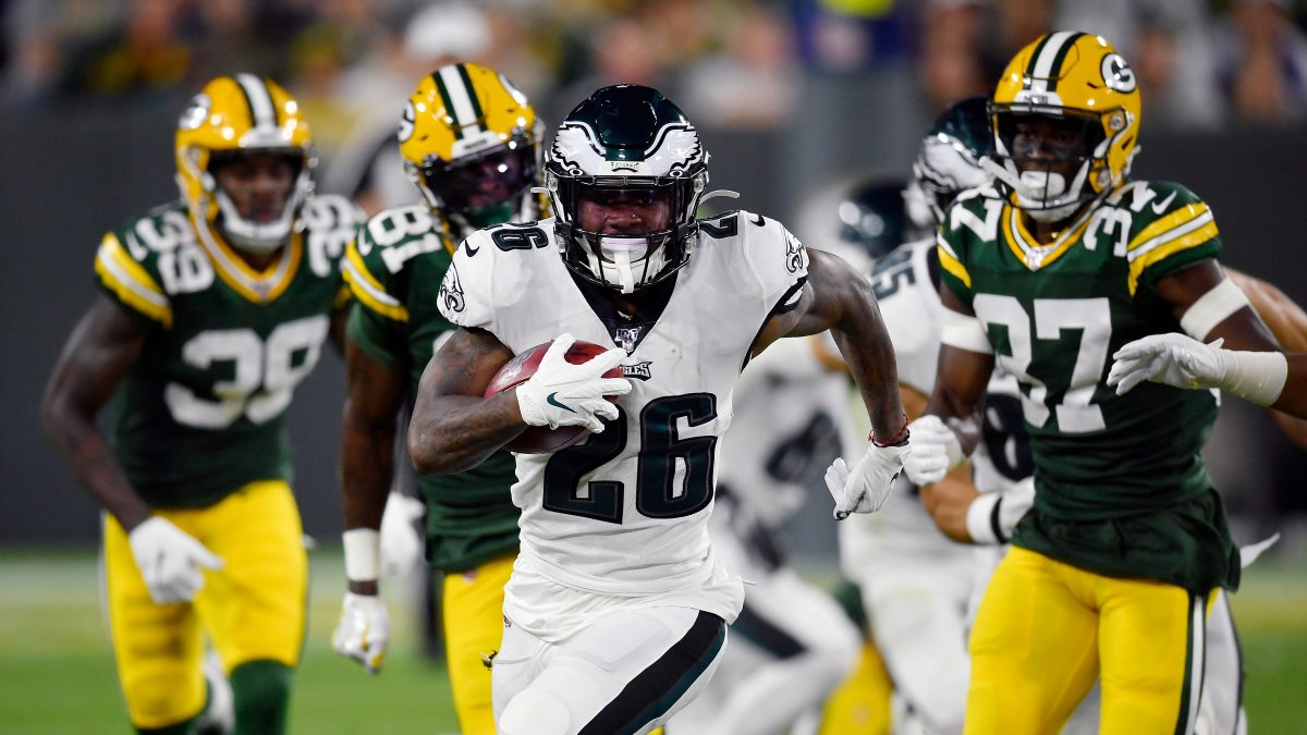 GREEN BAY, WISCONSIN - SEPTEMBER 26: Miles Sanders #26 of the Philadelphia Eagles runs with the football in the second quarter against the Green Bay Packers at Lambeau Field on September 26, 2019 in Green Bay, Wisconsin. (Photo by Quinn Harris/Getty Images)