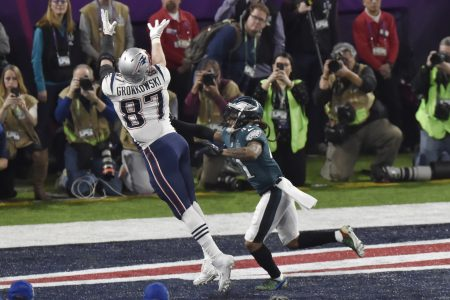 MINNEAPOLIS, MN - FEBRUARY 04:   Rob Gronkowski #87 of the New England Patriots catches a touchdown pass over Ronald Darby #41 of the Philadelphia Eagles Super Bowl LII at U.S. Bank Stadium on February 4, 2018 in Minneapolis, Minnesota. The Eagles defeated the Patriots 41-33. (Photo by Focus on Sport/Getty Images) *** Local Caption *** Rob Gronkowski; Ronald Darby