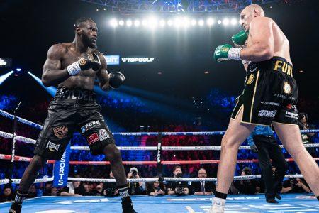 Deontay Wilder vs Tyson Fury 1040X585