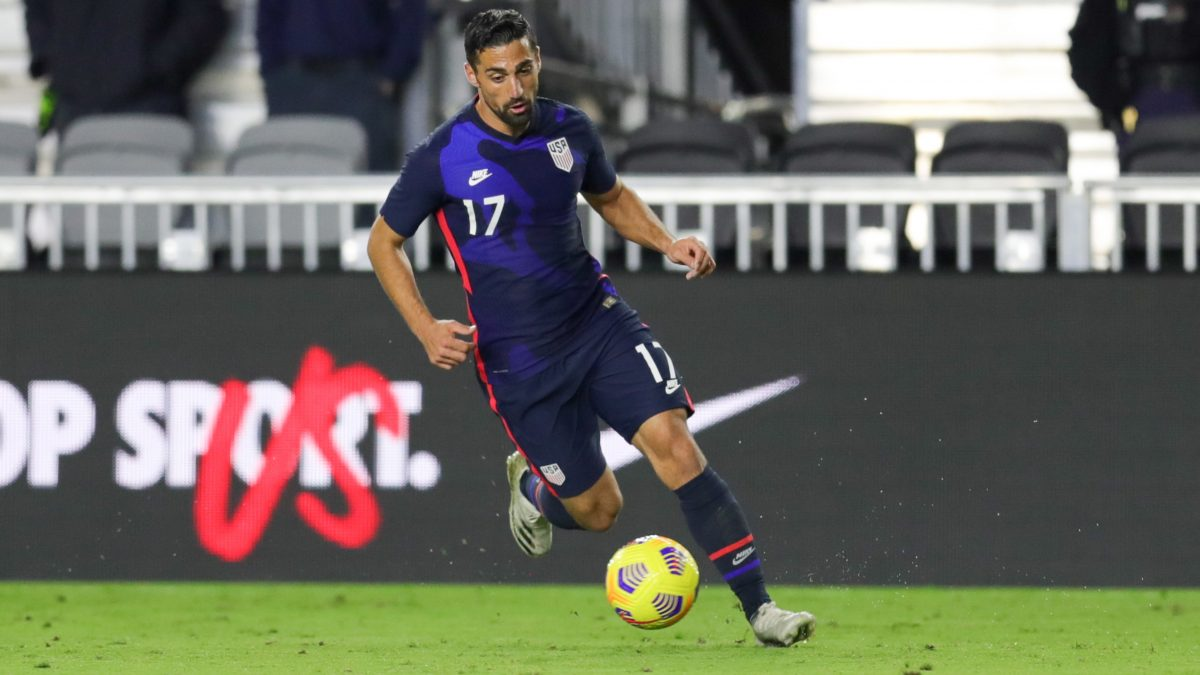 FORT LAUDERDALE, FL - DECEMBER 09: Sebastian Lletget #17 of the United States dribbles with the ball during a game between El Salvador and USMNT at Inter Miami CF Stadium on December 09, 2020 in Fort Lauderdale, Florida.(Photo by John Dorton/ISI Photos/Getty Images).