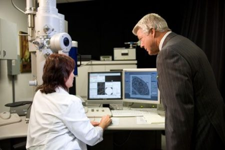 Jimmy Johnson visited Mariana Tahoka, PhD at one of the many research labs at City of Hope.